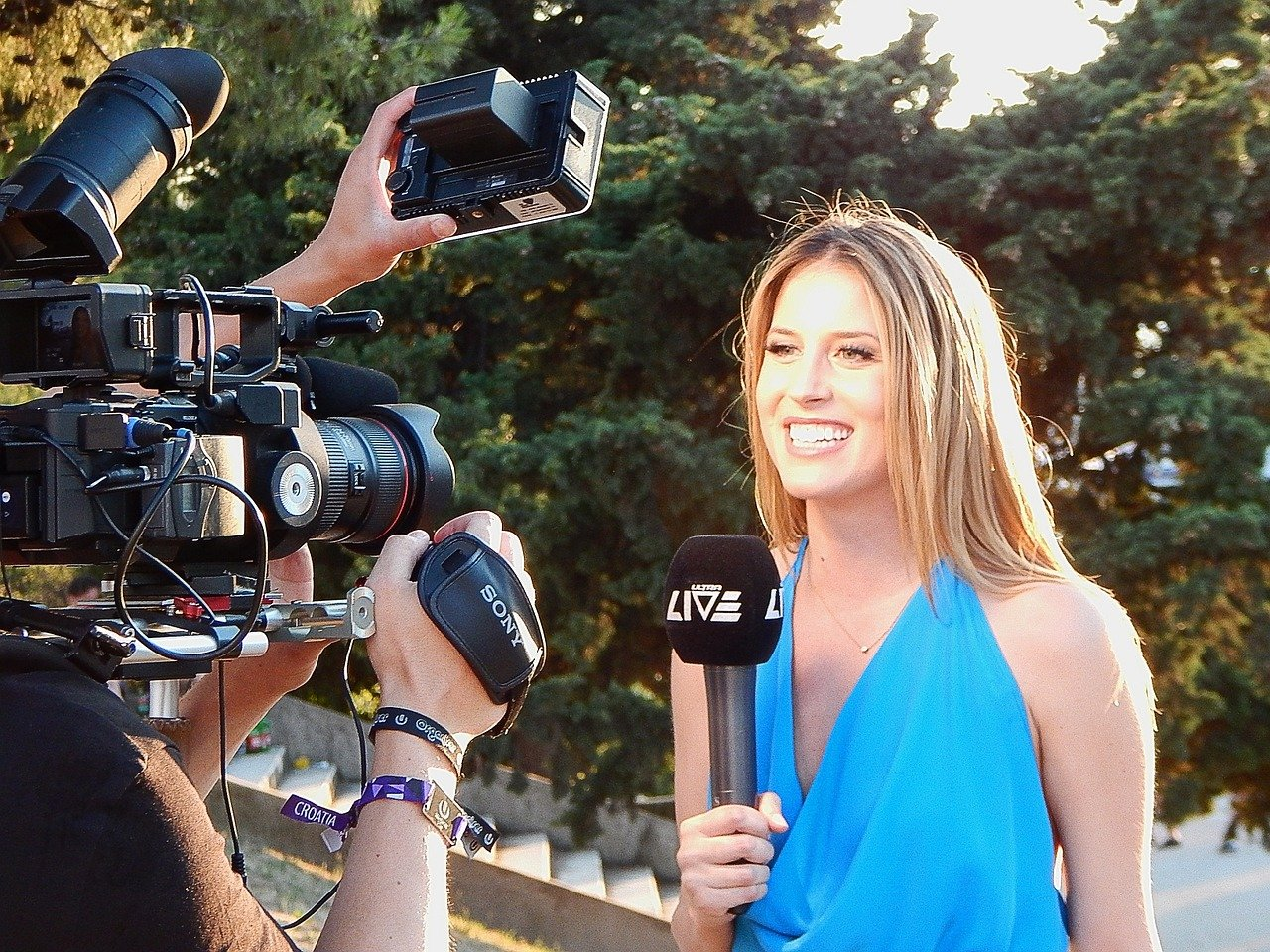 EXPERT INSIGHTS: HOW, WHEN AND IF TO GO AFTER MEDIA COVERAGE